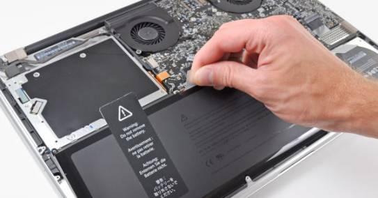 Sülearvuti lülitub välja ainult aku tagant võttes